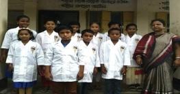 খোশবাসে ক্ষুদে প্রাথমিক শিক্ষার্থীদের চিকিৎসা সেবা প্রদান