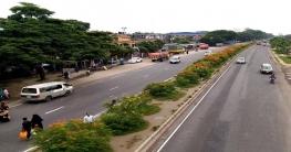 কুমিল্লায় মহাসড়ক আইল্যান্ড যেন ফুল বাগান