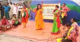 চৌদ্দগ্রামে গানে-গানে অভিবাসন বিষয়ক গনসচেতনতা