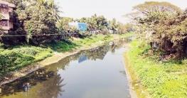 কুমিল্লায় ডাকাতদের কবলে ডাকাতিয়া নদী