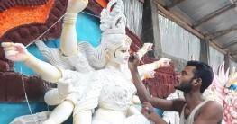 ব্যস্ত সময় কাটাচ্ছে রামমোহনের মৃৎ শিল্পীরা